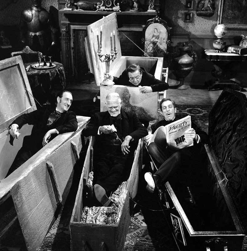 Boris-Karloff-and-Peter-Lorre-on-the-set-of-The-Comedy-of-Terrors