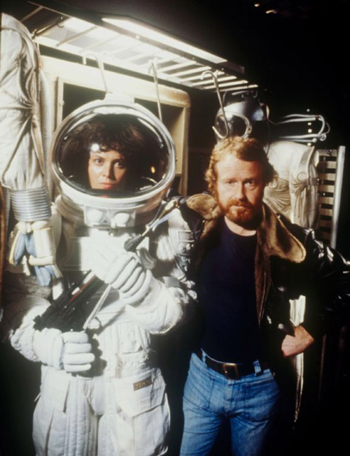 Sigourney-Weaver-and-Ridley-Scott-on-the-set-of-Alien