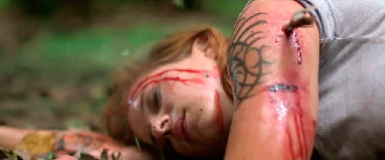 the-green-inferno-movie-clip-first-encounter